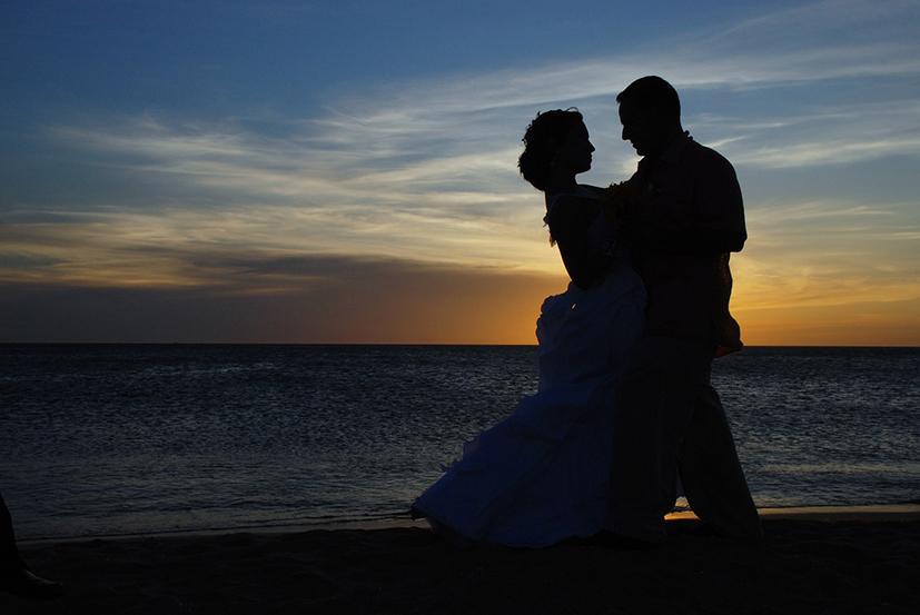 couple-1427863_1280