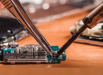 Gadget repair startup iService