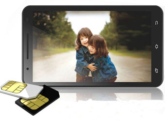 Handset makers scurry to join Year of the Phablet