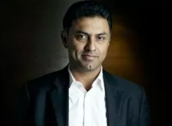 E-tailers must review the deep discounting model: Softbank's Arora