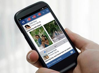 Facebook launches Flash in third attempt to quash Snapchat