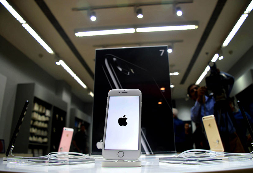 Apple in talks to start manufacturing in India