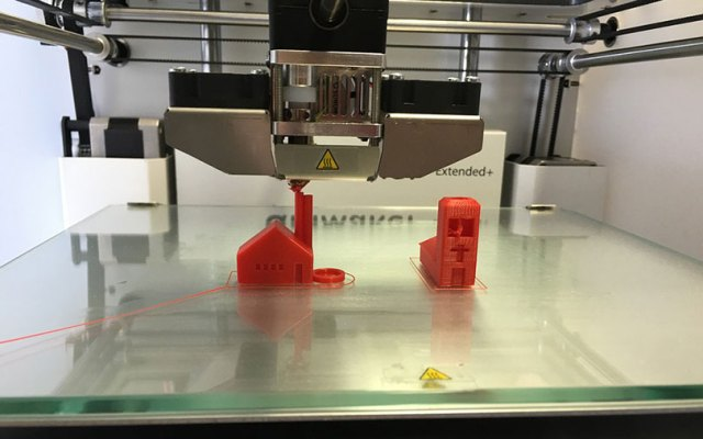 Now, small businesses can 3D-print parts from a 'cloud factory'