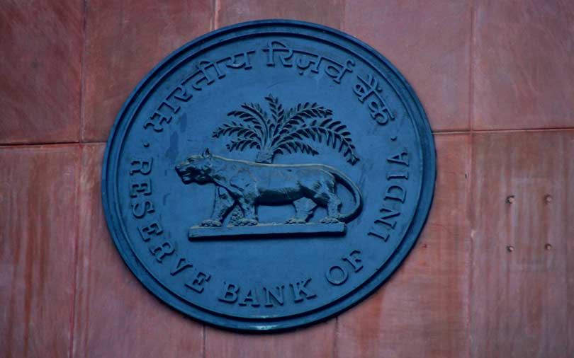 Banks can't deal with bitcoin exchanges, payment firms must store data in India: RBI