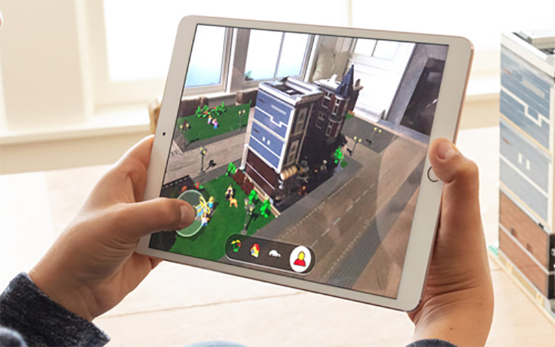 Apple's new AR toolkit immerses iPhone users in shared virtual spaces