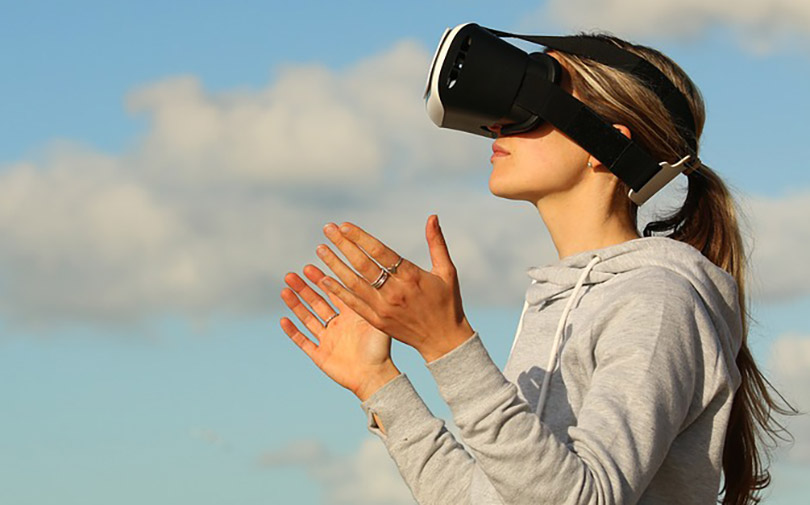 Virtual reality to reshape retail by sweeping shoppers into new dimension: GlobalData