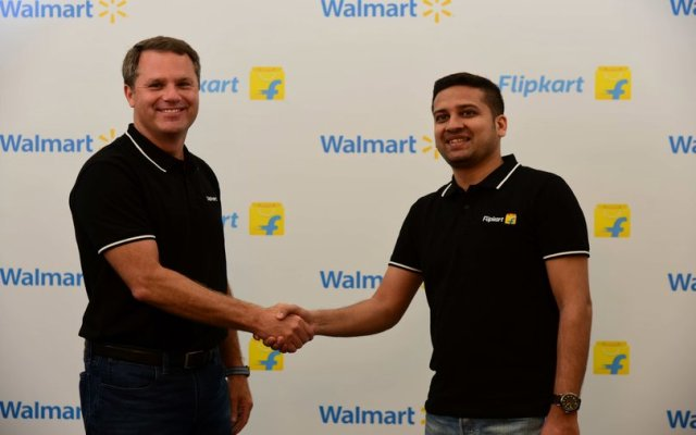 Fearing monopoly, traders hold protests over Walmart-Flipkart deal