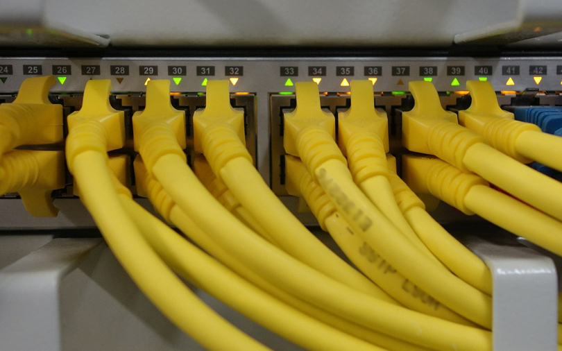Amazon cloud unit may sell own networking switches in challenge to Cisco