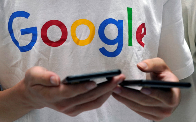 Lawsuit alleges Google ignores privacy settings and tracks phone users