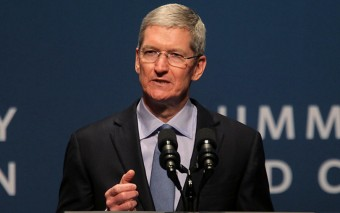 Weak rupee, import duties resulting in flat India sales for Apple: CEO Cook
