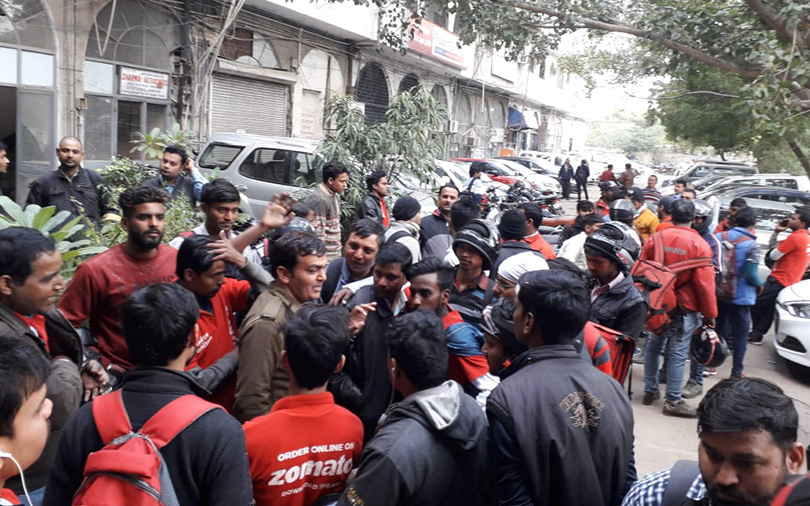 Zomato revises payment structure for NCR delivery personnel, faces protest
