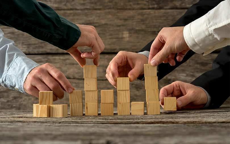 Vinod Dham backs Orbo; Naspers may buy $100 mn stake in Dream11