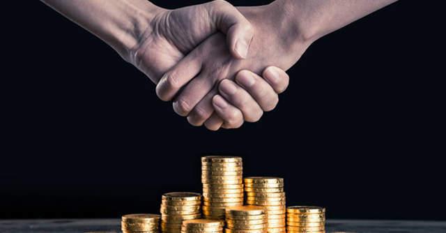 Anushka Sharma, Virat Kohli join investor consortium in Digit Insurance