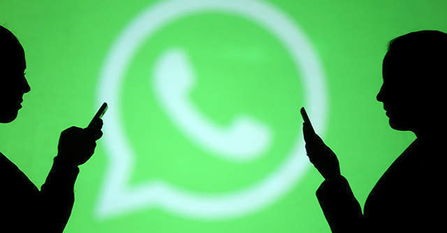 WhatsApp limits message forwards to only one chat at a time